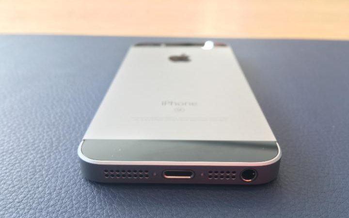 Apple iPhone SE Speakers