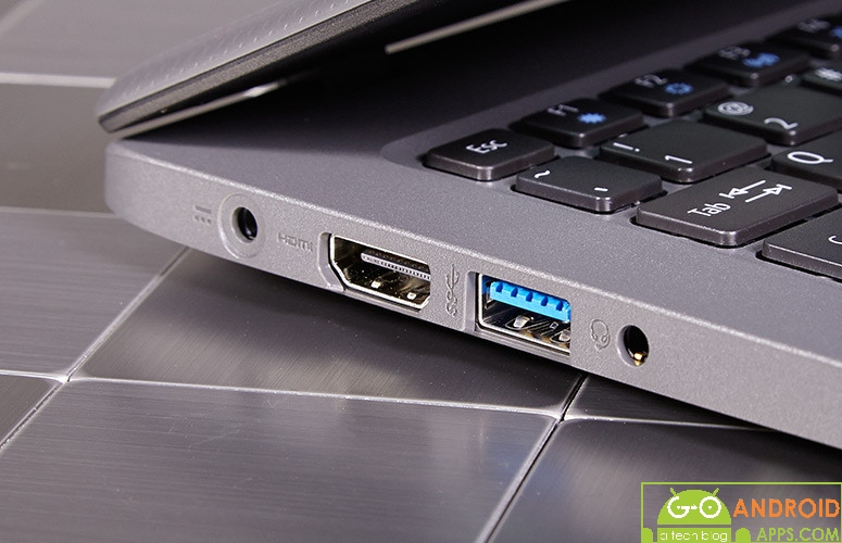 Acer Aspire one Cloudbook 11 Ports