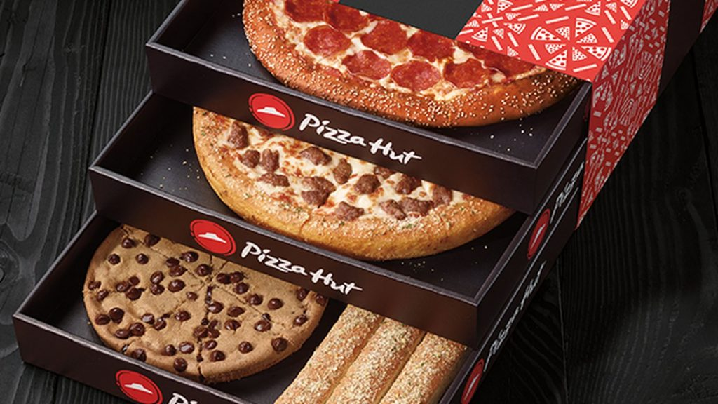 Now You Can Order Pizza Hut on Facebook & Twitter